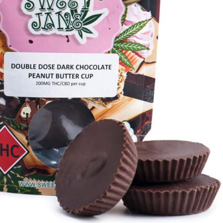 dark chocolate peanut butter cups sm